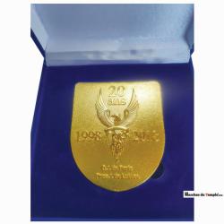 Aux couleurs de la Loge Médaille émaillée sur-mesure en coffret